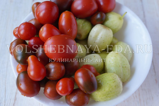 pomidory-i-ogurcy-v-marinade-1