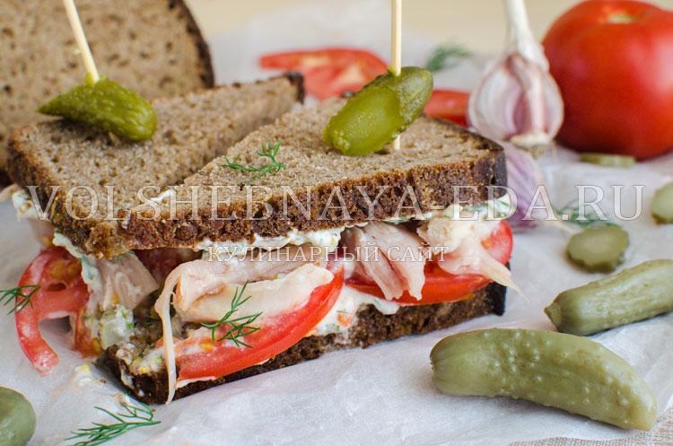 Сэндвич с копченой курицей
