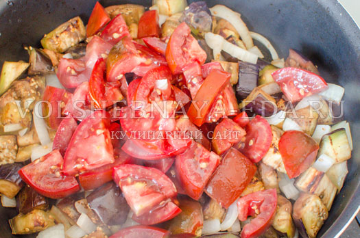 sup-pjure-iz-baklazhanov-i-tomatov-6