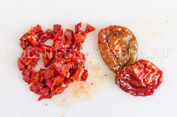 kurinoe-file-v-masle-s-vjalenymi-tomatami-9