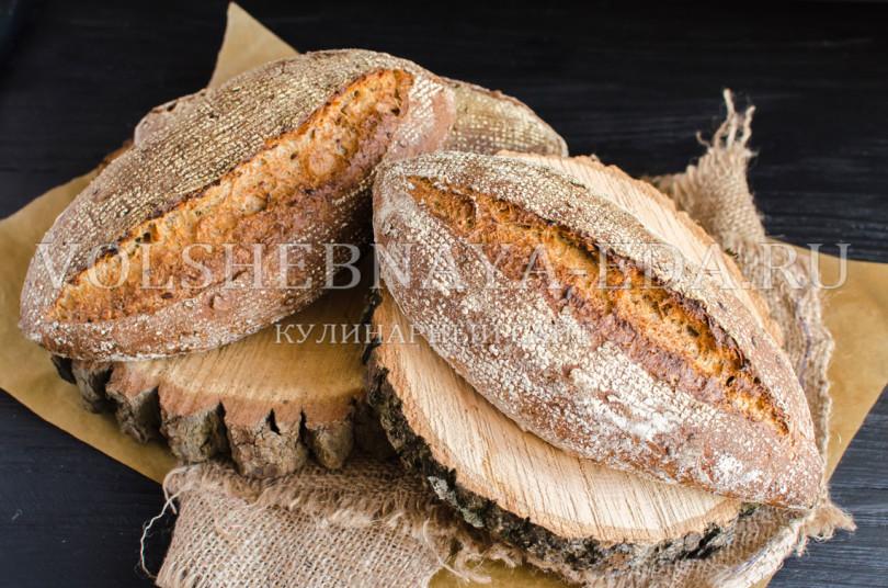 Цельнозерновой хлеб с солодом и семенами