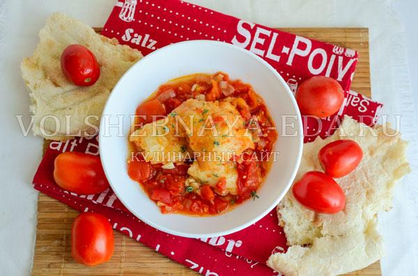 italjanskij-sup-s-tomatami-i-hlebom-9
