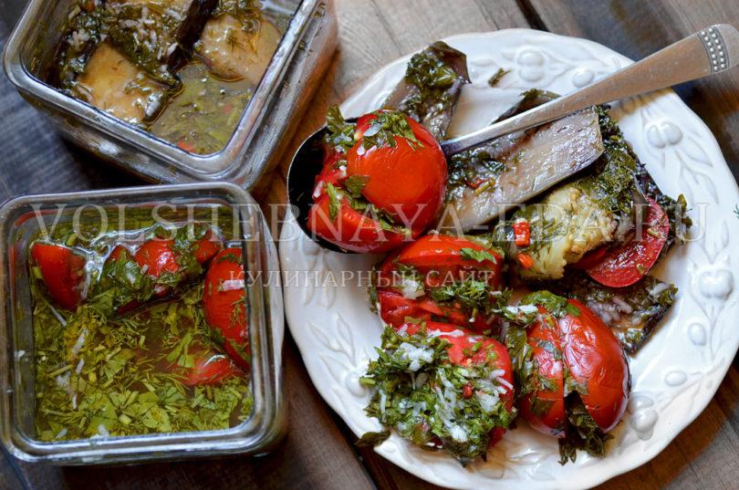 Баклажаны с помидорами в маринаде