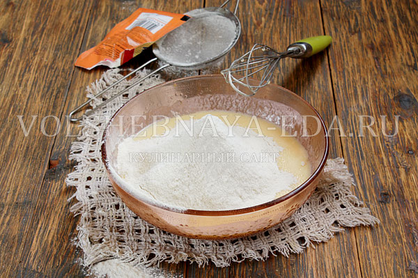kokosovyj pirog so slivkami 4