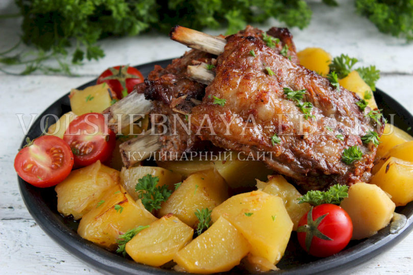 Картошка с ребрышками в рукаве