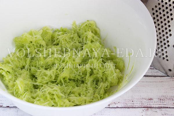 kabachkovye oladi s syrom i zelenyu 1