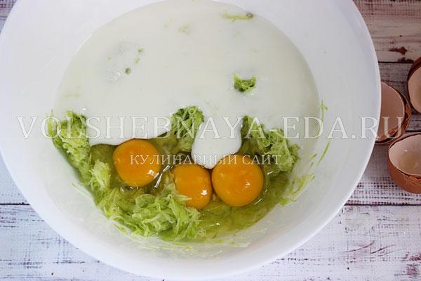 kabachkovye oladi s syrom i zelenyu 2
