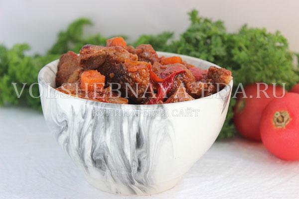 svinina tushenaya s ovoshchami 10