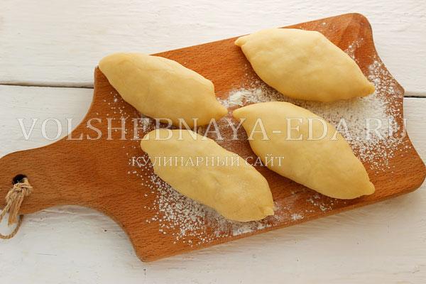 Жареные пирожки со свеклой и яблоками - рецепт пошаговый с фото