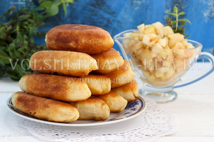 Пирожки с яблоками, жареные на сковороде