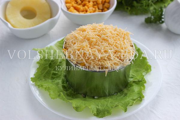 salat s ananasami kuricej syrom i yajcom 6