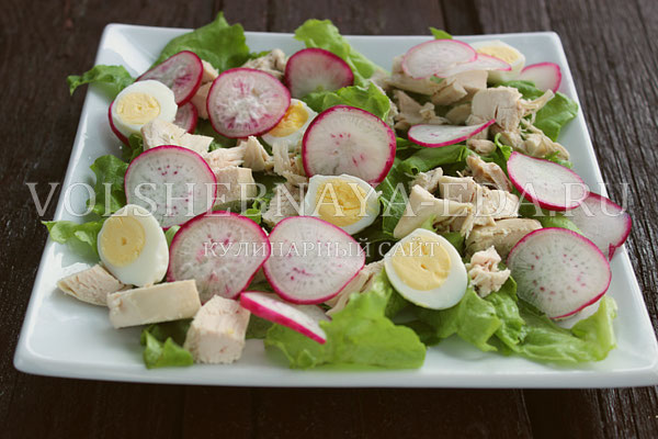 salat s kuricej i perepelinymi yajcami 4