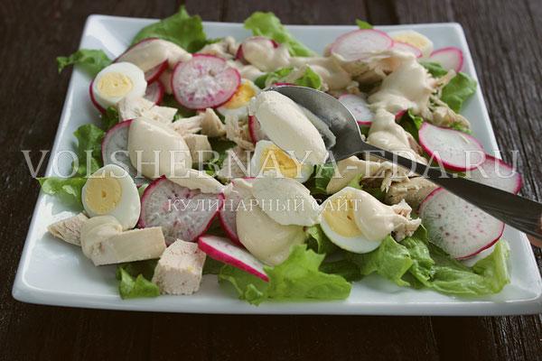 salat s kuricej i perepelinymi yajcami 6