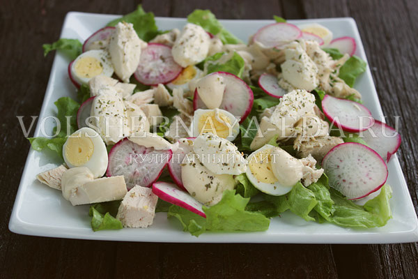 salat s kuricej i perepelinymi yajcami 7
