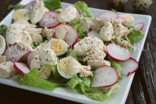 salat s kuricej i perepelinymi yajcami 9
