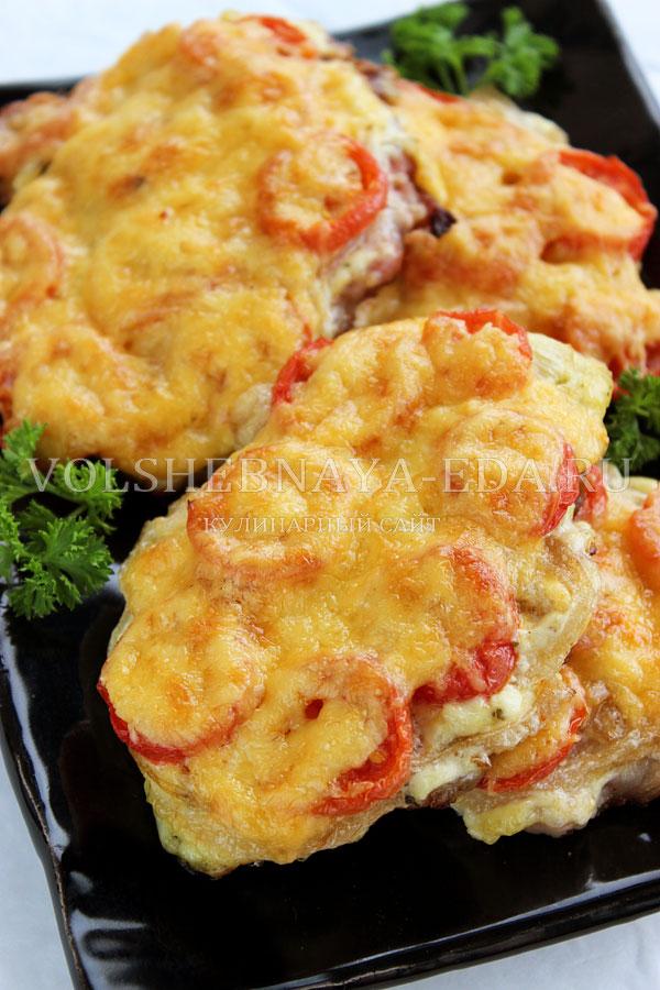 svinina s pomidorami i syrom 13
