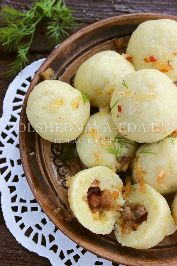 cheshskie kartofelnye knedliki s bekonom 14