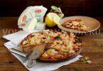 Пицца с креветками и сыром Бри