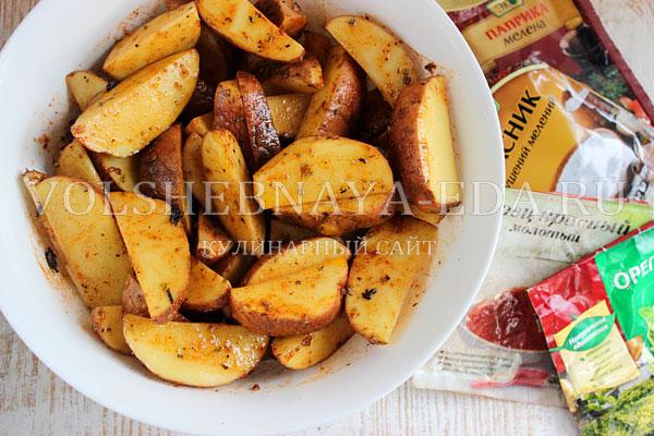 kartofel v duhovke s kolbaskoj 2