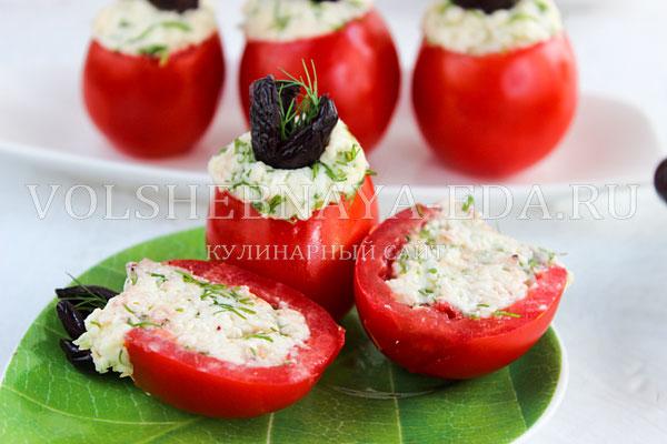 pomidory farshirovannye syrom i chesnokom 10