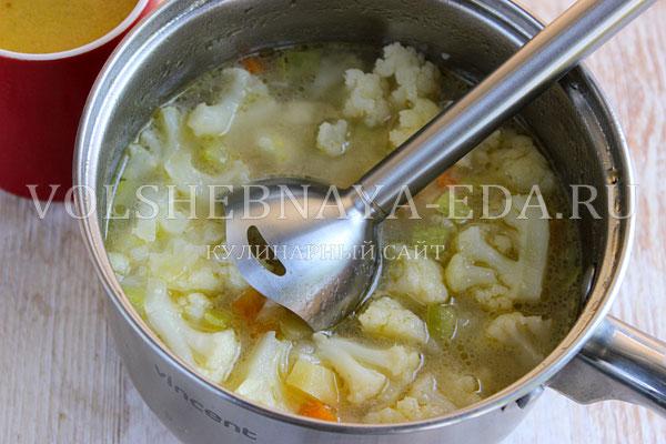 sup pyure iz cvetnoj kapusty s kabachkami 5