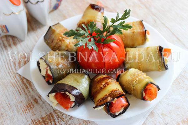 ruletiki iz baklazhanov s pomidorami i syrom 6