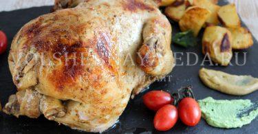 Курица, запеченная целиком в рукаве