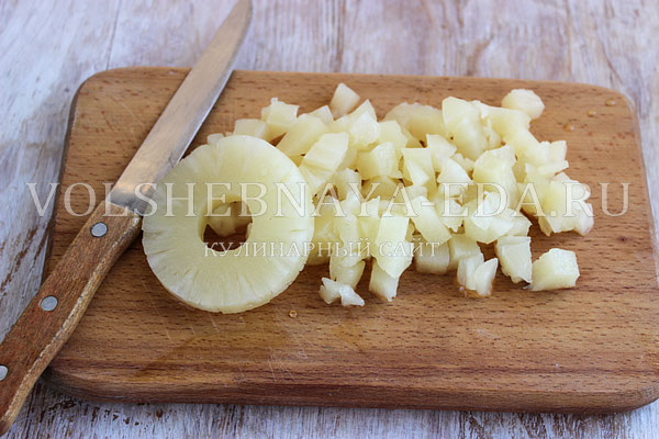 salat s krabovymi palochkami i ananasom 2