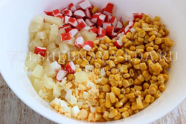 salat s krabovymi palochkami i ananasom 4