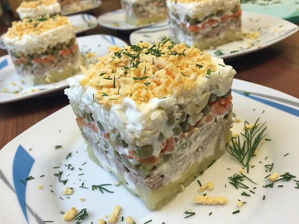 salaty s tuncom9