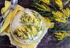 Салат «Мимоза» с яблоками и сыром