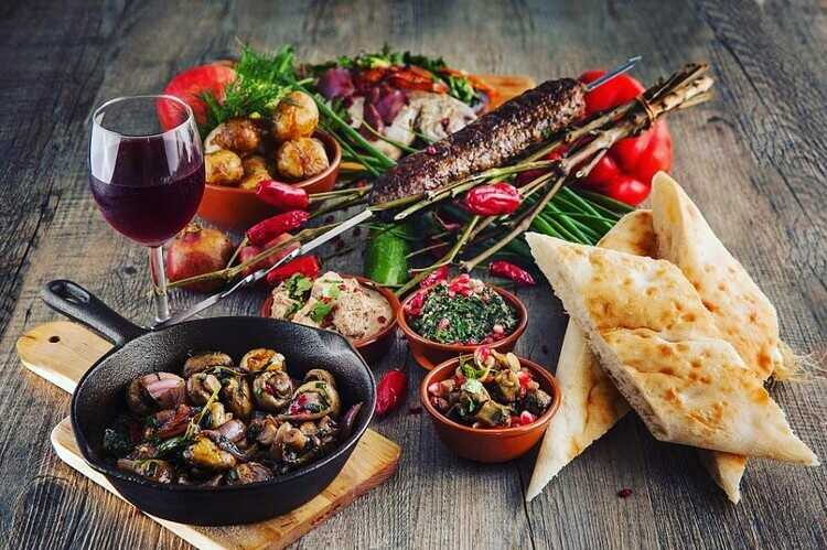 15 блюд грузинской кухни