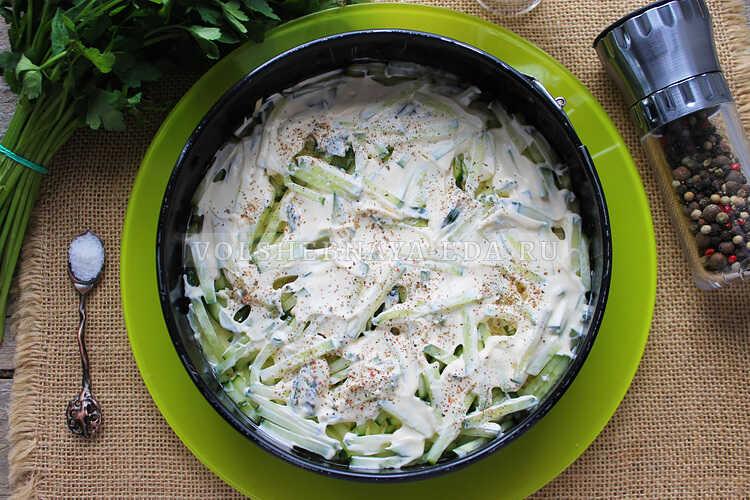 salat s shampinonami i yajtsom 6