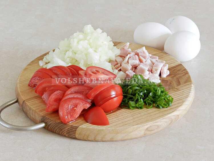 yaichnitsa s lukom i pomidorami (2)