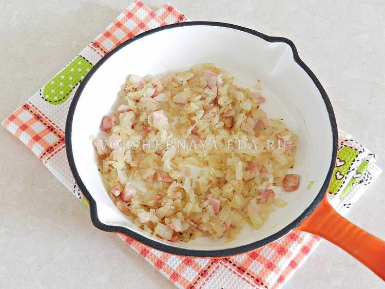 yaichnitsa s lukom i pomidorami (3)