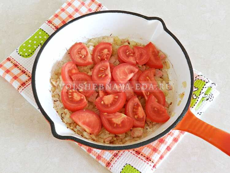 yaichnitsa s lukom i pomidorami (4)