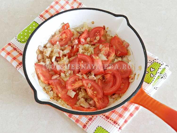 yaichnitsa s lukom i pomidorami (5)