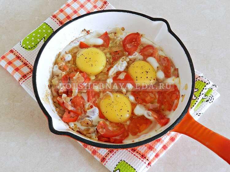 yaichnitsa s lukom i pomidorami (6)