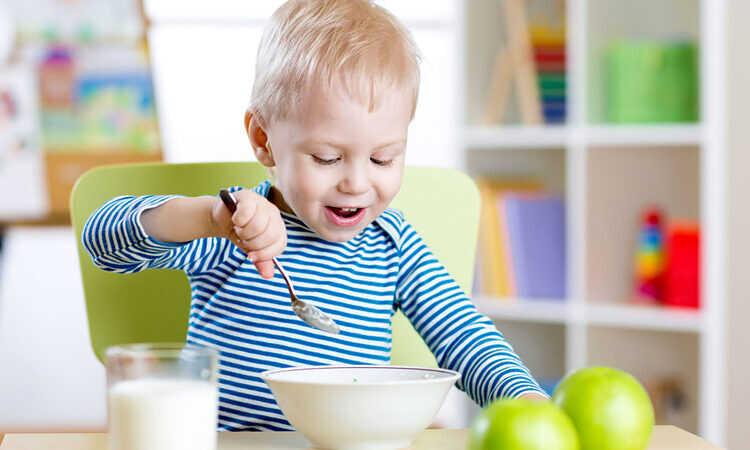 Полезно ли обогащенное витаминами детское питание