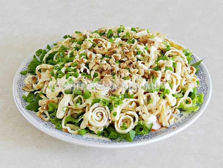 blinnyj salat s kopchenoj kuritsej (11)
