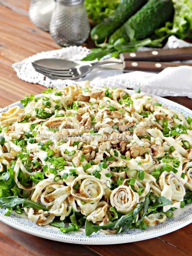 blinnyj salat s kopchenoj kuritsej 15