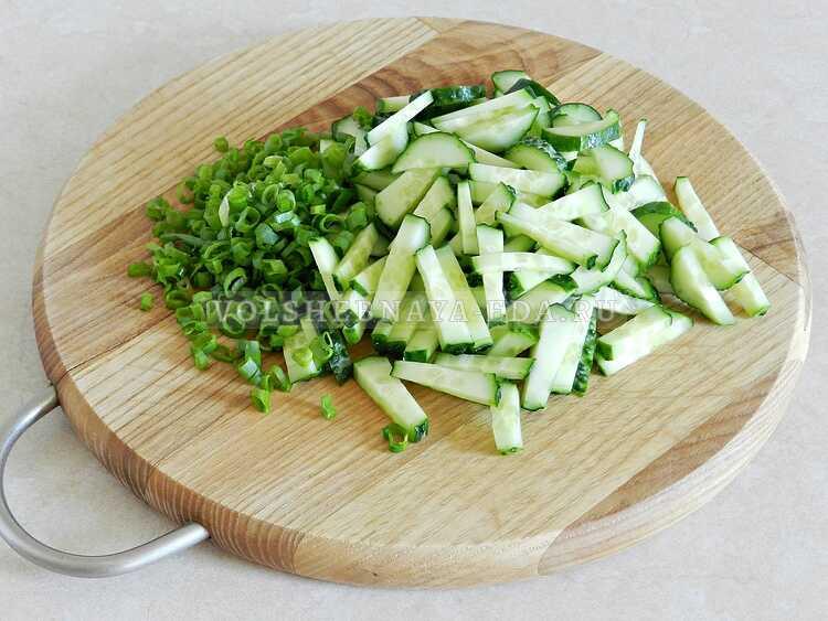 blinnyj salat s kopchenoj kuritsej (5)