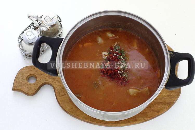 podliva iz svininy s tomatnoj pastoj 10