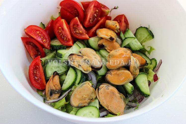 salat s konservirovannymi midiyami 3