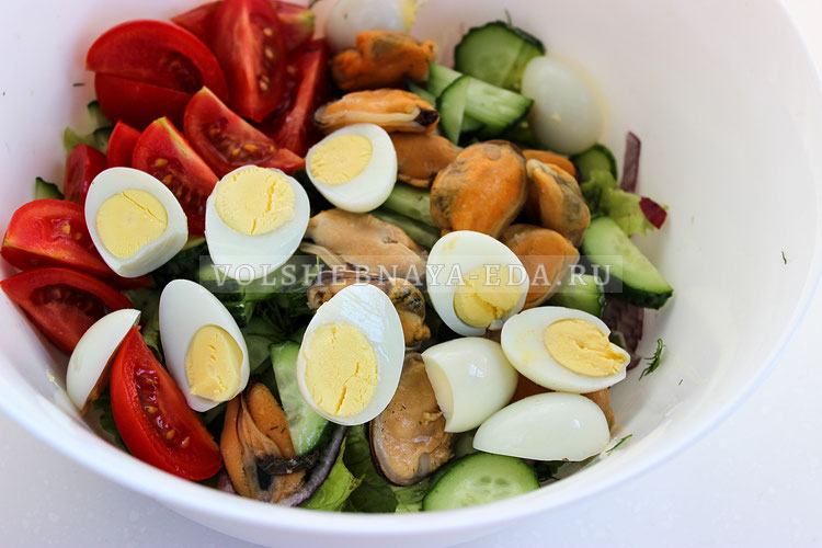 salat s konservirovannymi midiyami 4