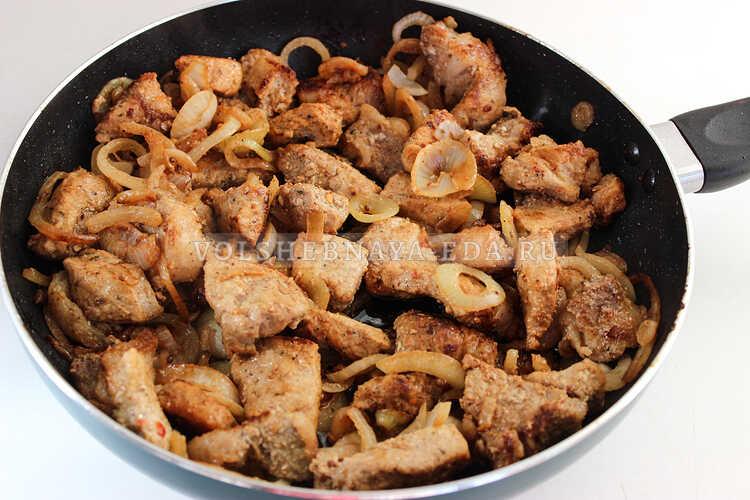 shashlyk iz svininy na skovorode 7