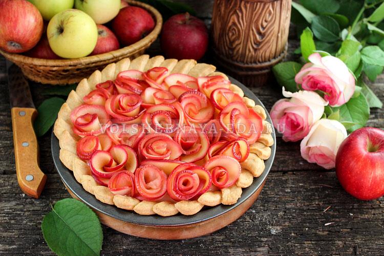 Яблочный пирог «Розы»