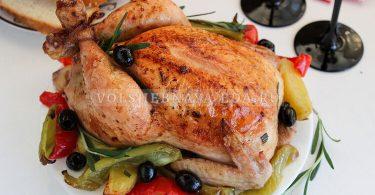 Фаршированная курица в духовке целиком