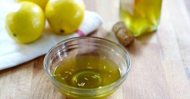 Смесь оливкового масла и лимонного сока