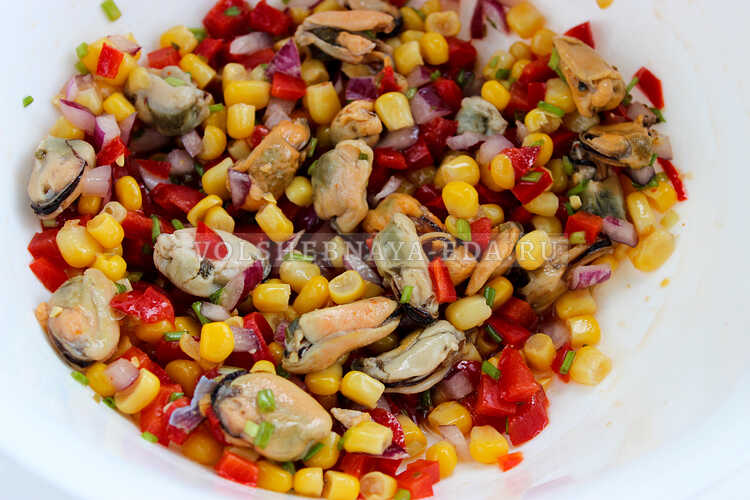 salat s midiyami i kukuruzoj 5